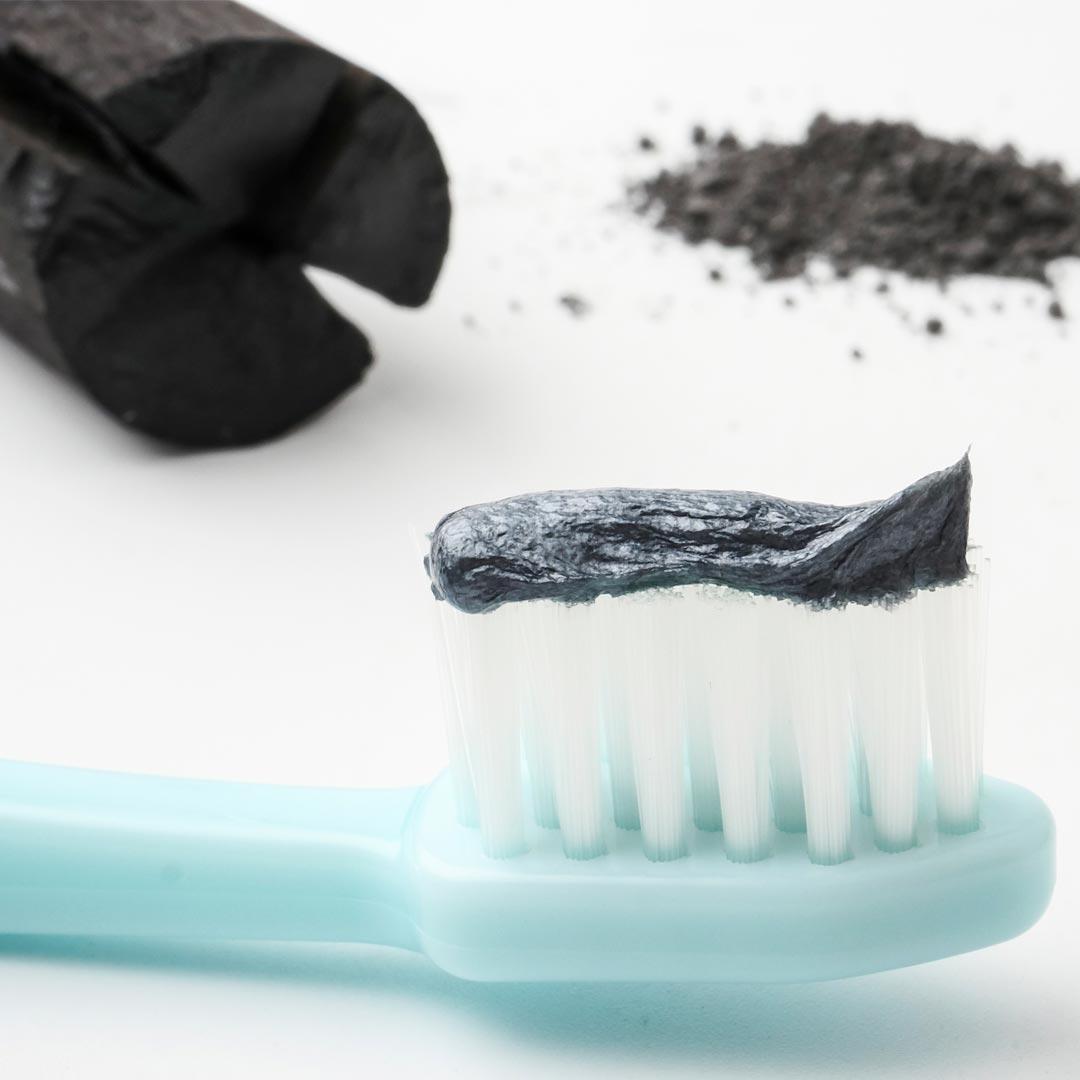 pasta-dientes-carbon-activado-www.clinicamasbermejo.com